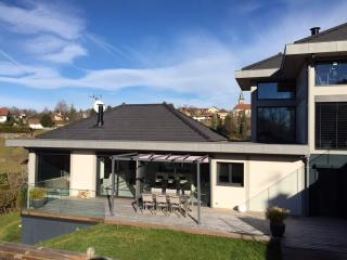 Stunning villa in the French Alps with huge terrace and garden, Nâves-Parmelan