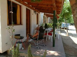 Bungalow with pool,barbecue Ve, Sant Salvador