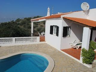 Great Holiday House on the Algarve-private Pool, Patroves
