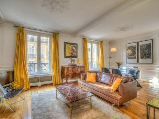 Luxury, Charm and a Perfect Location, Clichy