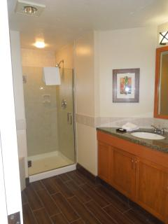 1st bedroom bathroom with jet bath tub and seperate shower.