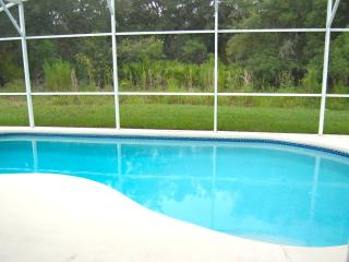17730 5 bed 3 bath private pool, Davenport