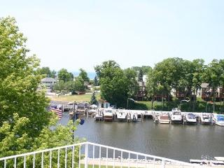 316 Indiana- Lovely views and town is around the corner. Summer rentals begin or end on Sundays., South Haven