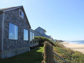 Spectacular Ocean Front Home in Roads End, Lincoln City