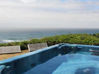 Beautiful oceanfront home full of amenities, Lincoln City