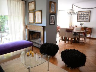 Casas del Cerro / Larch Apartment, Santiago