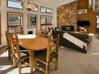 Aspen Creek 4 - Mammoth Rental - Near Eagle Lift, Mammoth Lakes