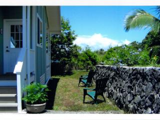 The Artist House, sleep to the sound of the waves, Laupahoehoe