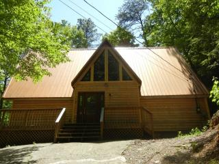 Smoky Ridge Cabin, Mtn View, Pool Table, 3 Kings, Gatlinburg