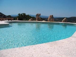 Villa Le Frou - Sleeps 10 with Pool, Baia Sardinia