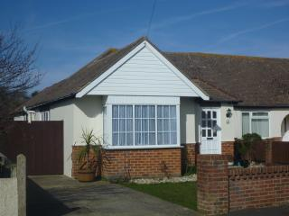 Bungalow in Bracklesham Bay, Chichester, Sussex