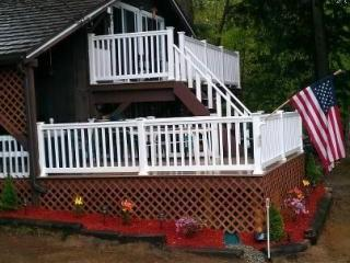 Three bedroom chalet, minutes from North Conway,NH, Madison