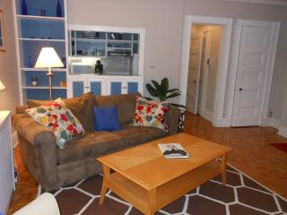 BeaconHill, Sunny, corner unit, one bedroom, Boston