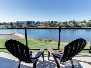 Second-floor condo with river views & fitness center access!, Seaside