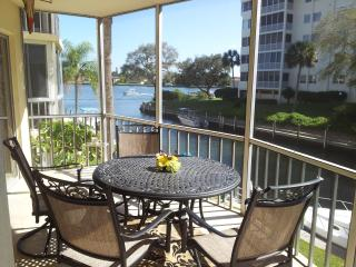 Siesta Harbour 55+ Condo with a View of Intracoast, Siesta Key