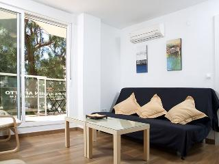 Nice and new 1 bedroom apt 50 metres to the beach, Torre del Mar