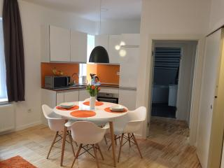 Apartments City and style - Orange, Zagabria