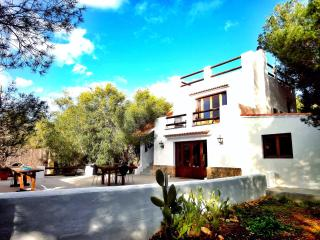 Villa on 2 levels set in a park close to the beach, Ibiza
