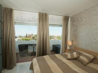 2 bedroom apt  in Royal Garden/Puerto Banus-RG