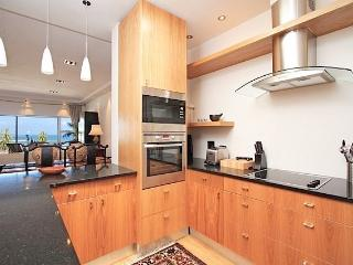 Summer Place - 3 bedroom in heart of Camps Bay