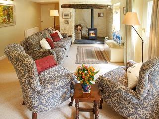 2 Tregroes Cottage, Fishguard