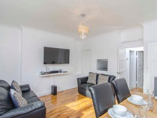 London 2 Bed Apartment in City of London