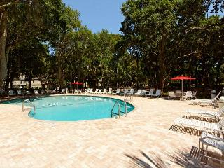 2BR/2.5BA Pet Friendly Villa is Beautiful with Recently Renovated 1st Floor!, Hilton Head