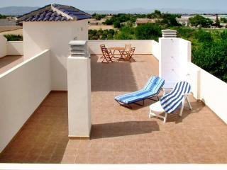 Penthouse apartment on the Costa Blanca with 2 bedrooms, balcony, large sun terrace & pool, Formentera Del Segura