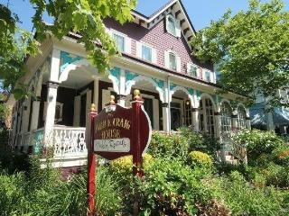 Magnificent Victorian - One Block to Beach, Cape May