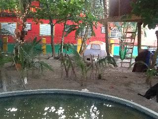 Caye Caulker Camp Site at Pet park