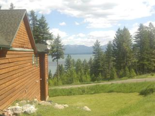Majestic Home Above Flathead Lake, Lakeside