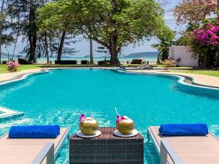 Villa Tropical Beach Paradise - For Beach Holiday, Chalong