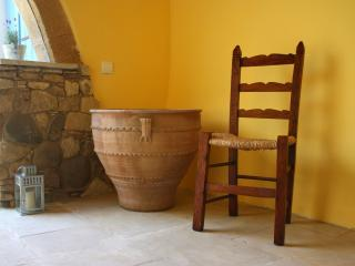 Aperanti Agrotourism B&B-double room upper floor, Nicosia