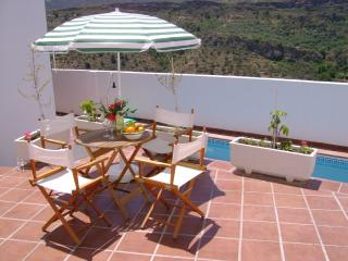 house on small complex with commun pool, Albuñuelas