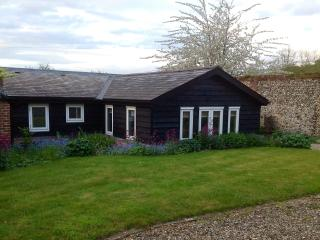 Old Piggery Self Catering Cottage *****, Horringer