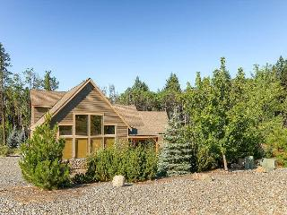 Great Family-Friendly Summer Cabin! 3BD|2BA|Slps9|Pool, Hot Tub|Summer Deals!, Cle Elum