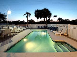**August Specials**Beautiful 6 bedroom with private pool*Short Walk to Beach*, Destin