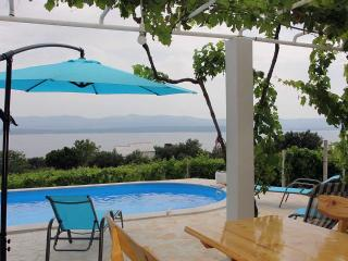 Seaview house for rent near beach, Bol, Brac