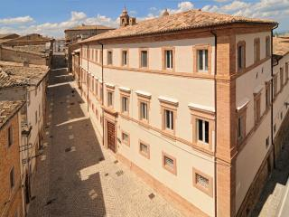 Palazzo Morichelli d?Altemps Luxury Apartments, San Ginesio