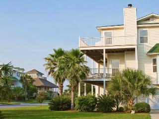 4 Bedrooms | Pet Friendly | Minutes from Beach, Tybee Island