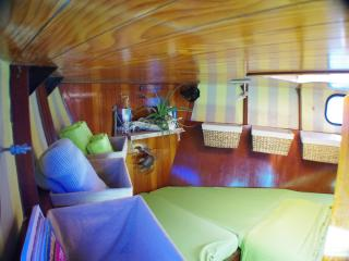 SV MALU...your cozy cabin on a comfortable Yacht !, St. George's