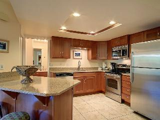 Oceanfront Condo at Beach in Kihei Kam II - Views!