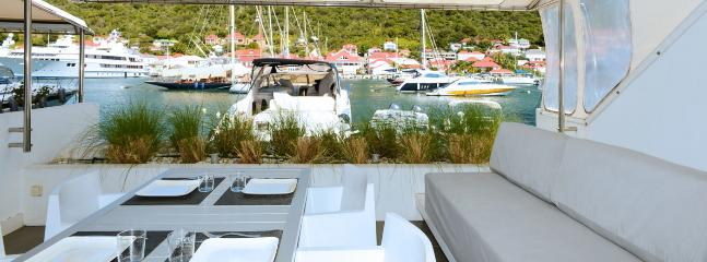 Villa Harbour Loft SPECIAL OFFER: St. Barths Villa 116 Located On The Harbour Of Gustavia In St Barths In The French Caribbean, Facing The Most Beautiful Yachts.