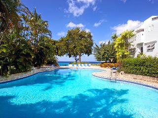 Beachfront villa with private pool. BS NUT, The Garden