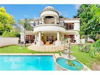 Luxury 5 Bedroom Home in Exclusive Hyde Park, Sandton