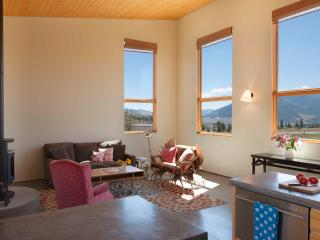 Southern Exposure - Beautiful Home Above Town, Creede