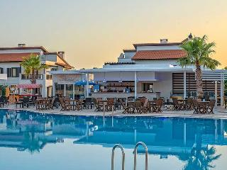 Enjoy 5 Star Holiday Village in this Apartment!, Belek