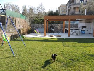 New apartment with garden and jacuzzj, Sant'Agata sui Due Golfi
