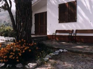 House in Capoliveri from 1 to 6 people with 2 bedr