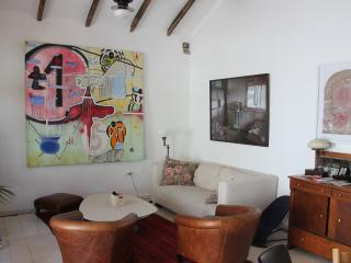 Private house with garden in Neve-Tzedek, Tel Aviv
